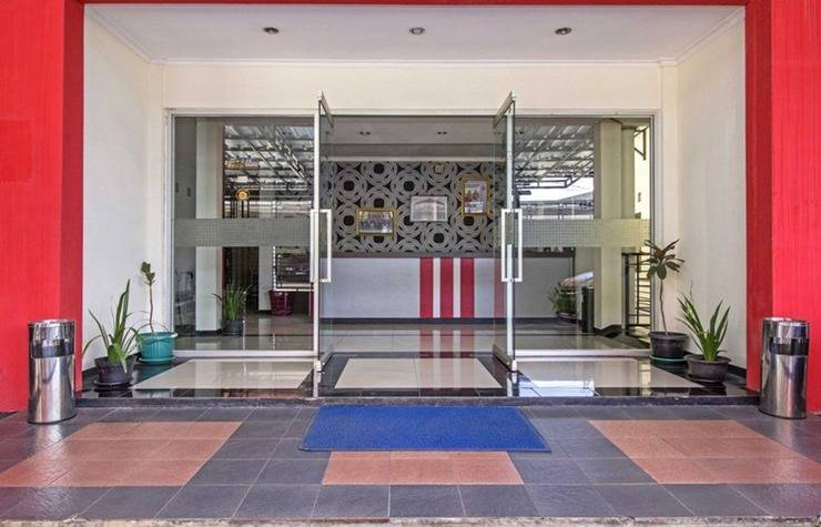 RedDoorz near Maranatha University 3 Jalan Dangdeur Indah - Exterior