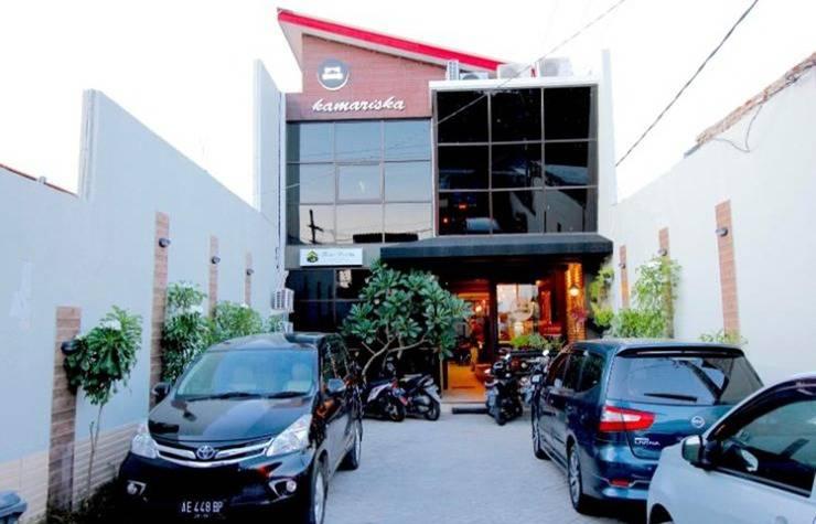 Kamariska Hostel Surabaya - Eksterior