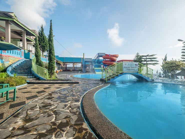 OYO 705 Puncak Darajat Resort Garut - Swimming Pool