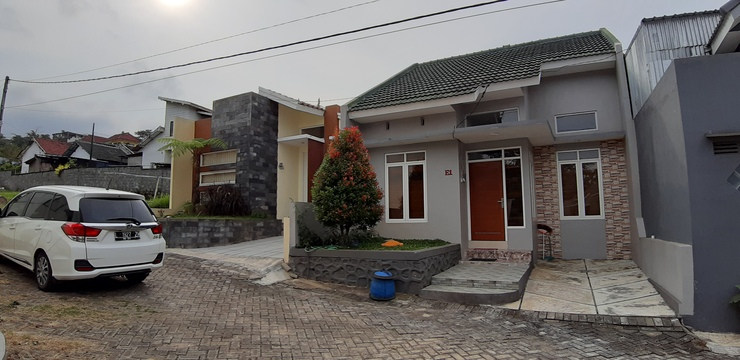 Villa Puncak Garuda E1 Malang - Facade