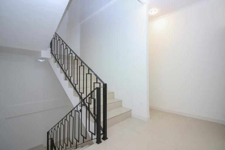 Airy Syariah Pondok Pinang Buana Karya 3 Jakarta Jakarta - Stairs