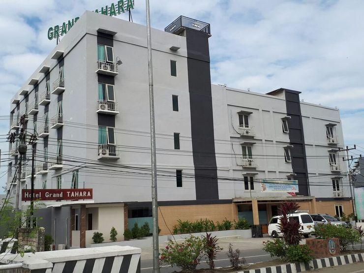 Grand Tahara Hotel Jayapura - Exterior