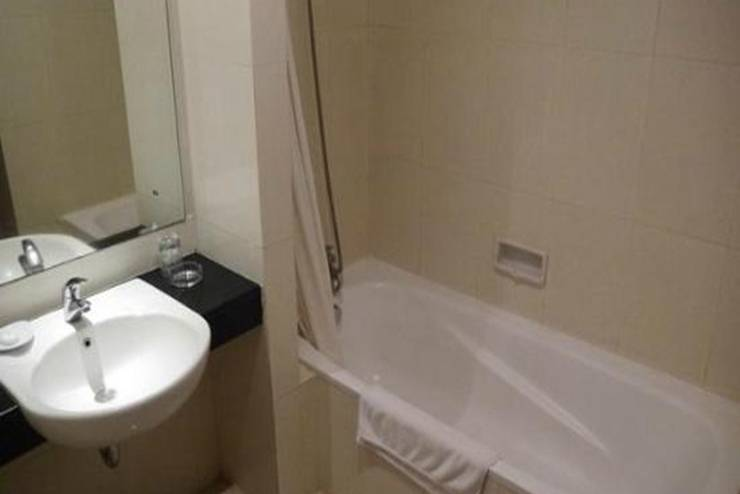 Hotel Grand Anugerah Bandar Lampung - Kamar Mandi