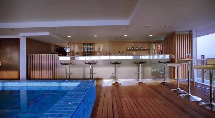 The Alana Surabaya Surabaya - Pool Bar