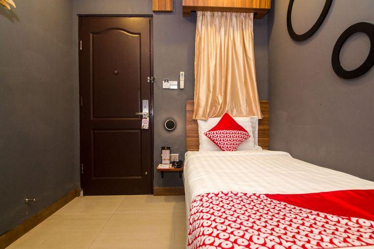 OYO 1327 Avava Inn Batam - Bedroom