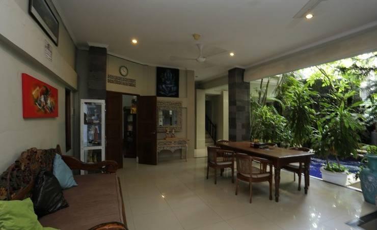 RedDoorz near Pantai Double Six Bali - Interior