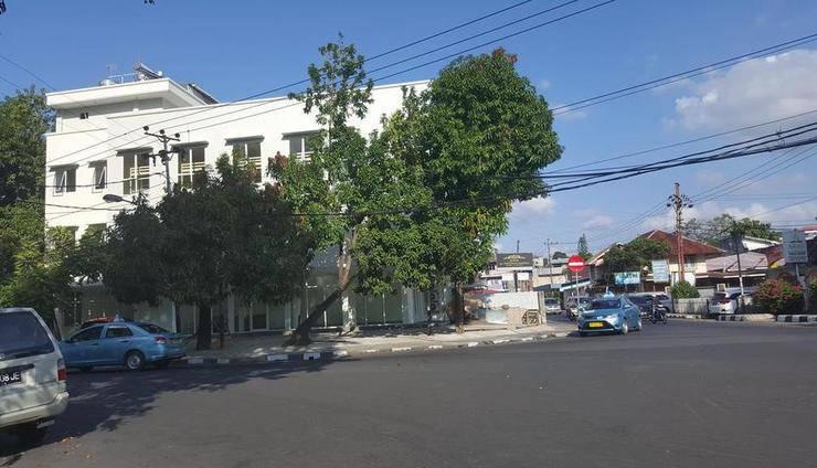 RedDoorz Hostel @ Manado Green Hostel Manado - Exterior