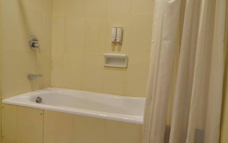 Hotel Istana Tulungagung - Bak mandi