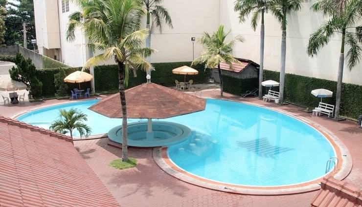 Hotel Merdeka Madiun - Pool