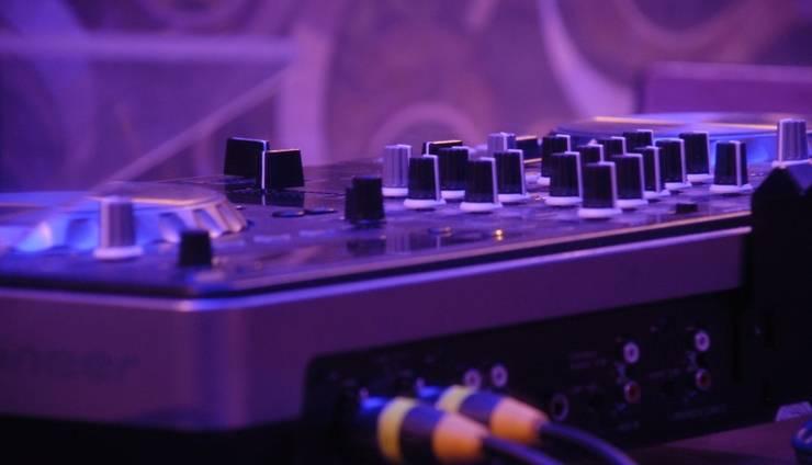 The Edelweiss Hideaway Solo - DJ