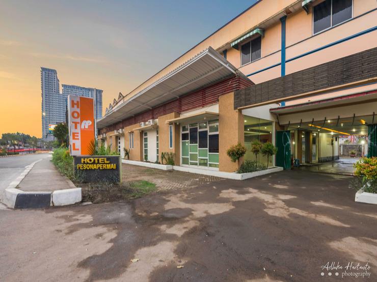 Hotel New Pesona Bekasi - Facade