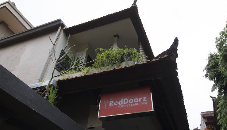 RedDoorz @Poppies Lane Two Bali - Signage