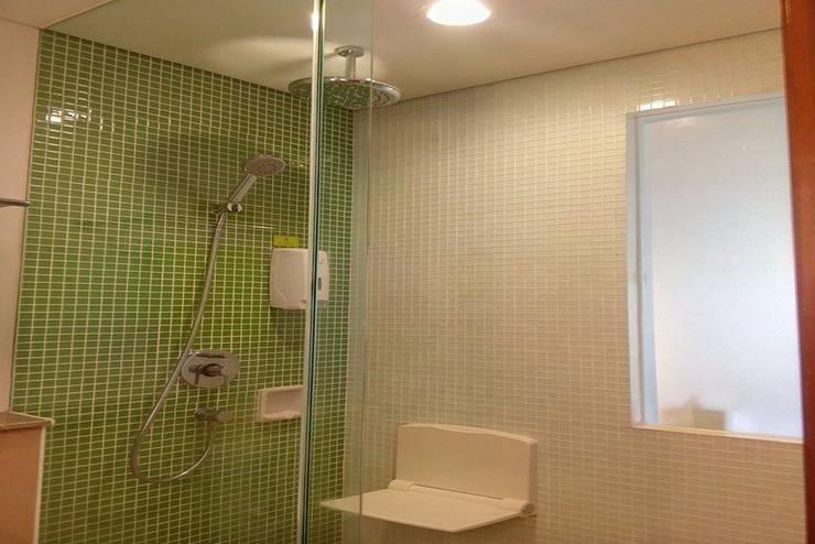 MaxOne Hotel Surabaya - Kamar mandi