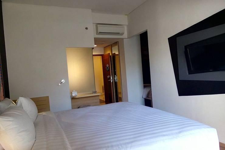 MaxOne Hotel Surabaya - Happiness