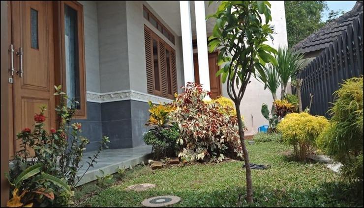 Butik Homestay Malang - exterior