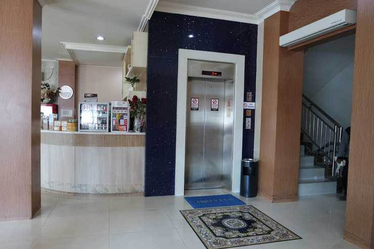 Hotel Sulawesi Gorontalo - Surabaya Surabaya - Lift
