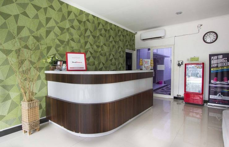 RedDoorz at Condong Catur Asem Gede - Lobby