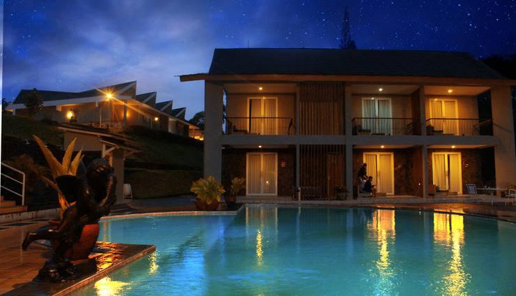 Hotel Ariandri Puncak Bogor - night view