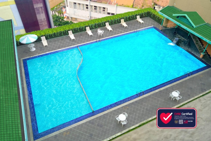 Hotel Tunjungan Surabaya - Kolam Renang