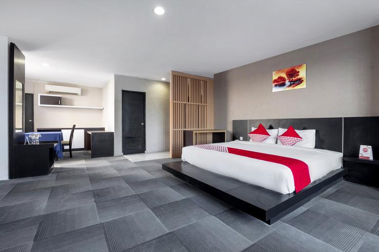 OYO 472 Hotel Asyra Makassar - Room