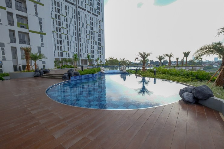 Akasa Pure Living BSD Apartment By Travelio Tangerang Selatan - Kolam renang