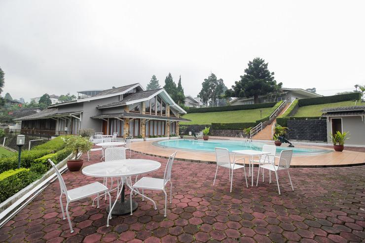 Airy Cisarua Raya Puncak KM 85 Bogor - Swimming Pool