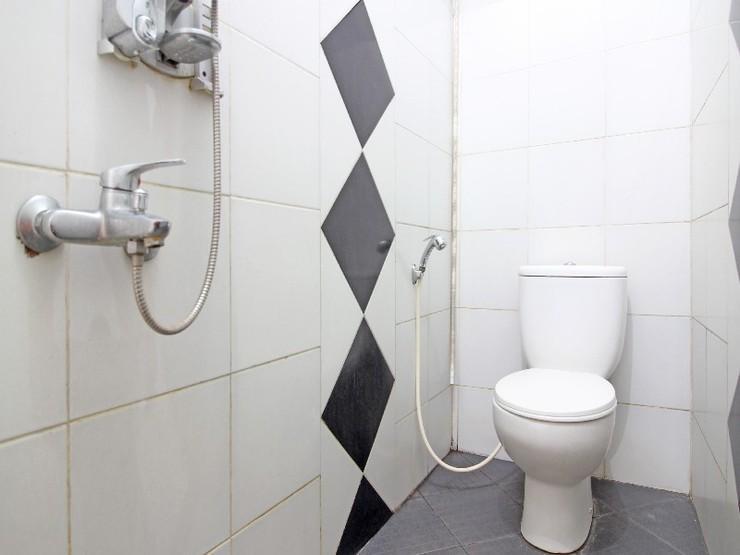 Wisma Asri Yogyakarta - Bathroom