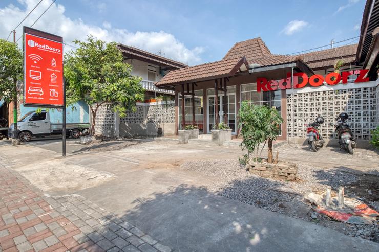 RedDoorz near Malioboro Tugu Station Jogja 2 Yogyakarta - Photo