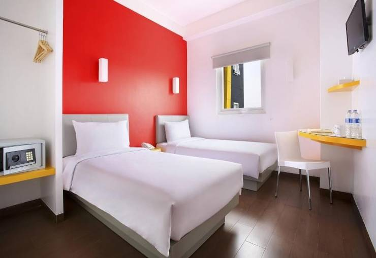 Amaris Hotel Ponorogo - Twin Bed
