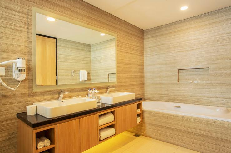 Swiss-Belhotel Papua Jayapura - Business Suite