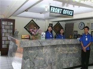 Benteng Hotel Padang - Reception