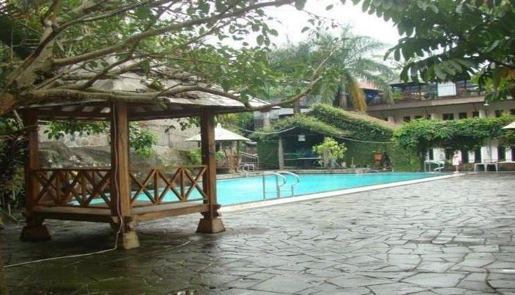 Hotel Moroseneng Baturraden - Exterior