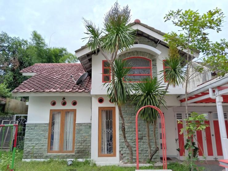 Multazam Family Guesthouse Kaliurang Yogyakarta - Exterior