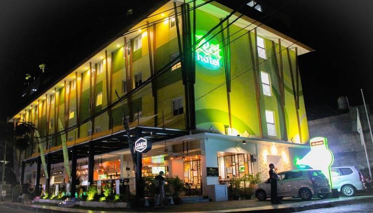 Zest Hotel Legian - Facade