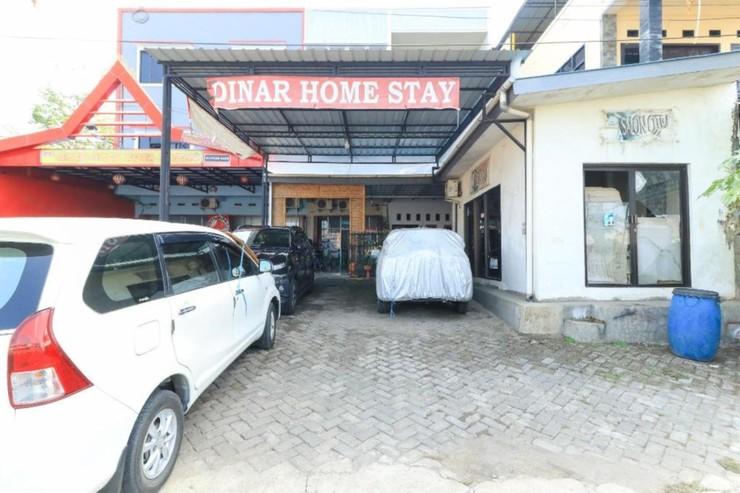 Dinar Homestay Makassar - Entrance