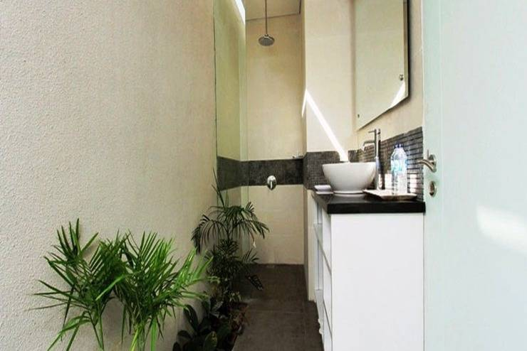 Apple Suite Apartment   - Kamar mandi