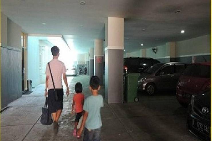 Citihub Hotel Jogja - Area parkir