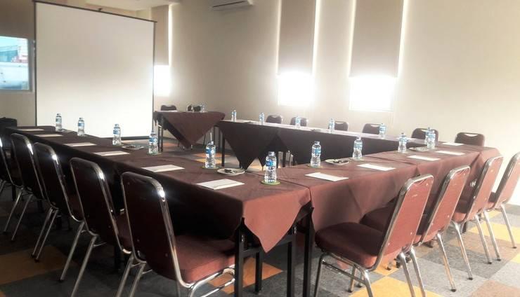 Sare Hotel Jakarta - meeting room