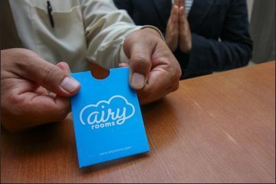 Airy Medan Helvetia Tengku Amir Hamzah 38 - Receptionist