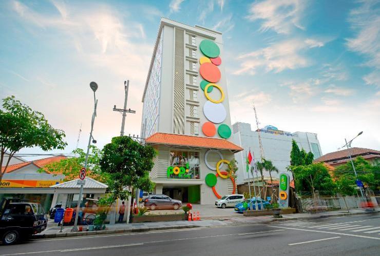 POP Hotel Diponegoro Surabaya - Exterior