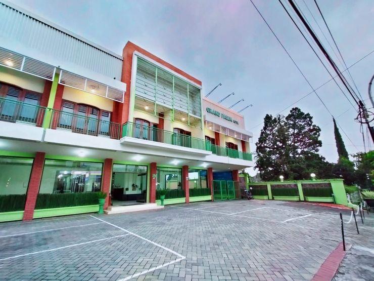 Grand Palem Hotel Batu Malang - Facade