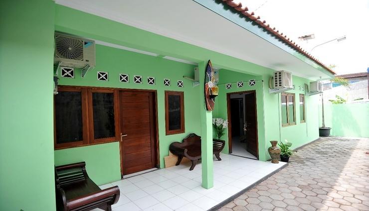 ADARO Homestay Yogyakarta - Facade