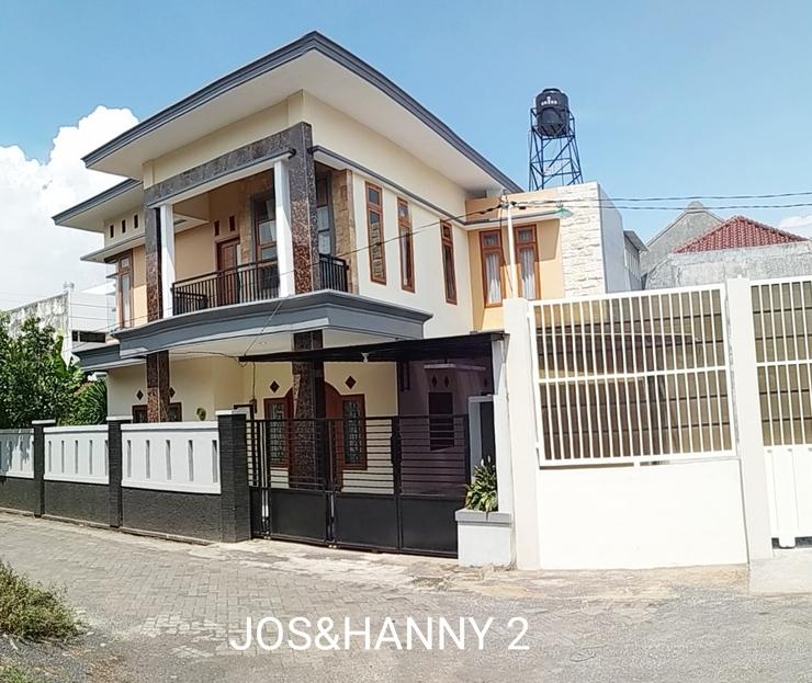 Jos & Hanny Homestay Malang - Exterior