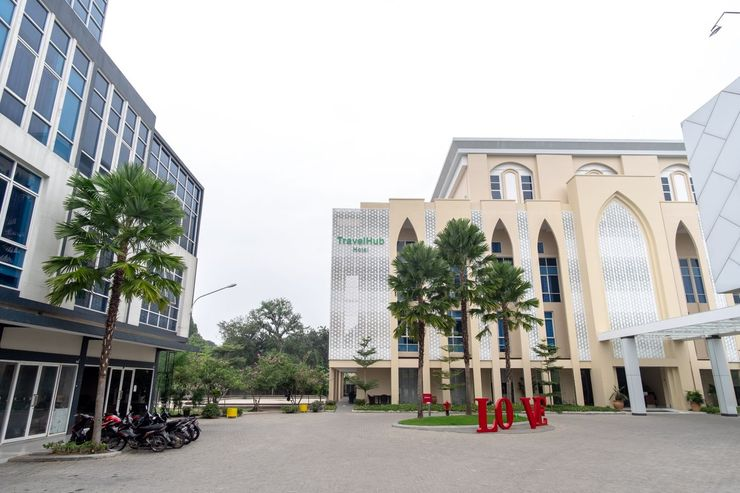 Capital O 1768 Travel Hub Hotel Kualanamu Airport Deli Serdang - NFacade