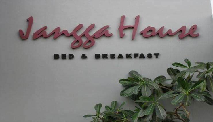Jangga House Bed & Breakfast Medan - Interior