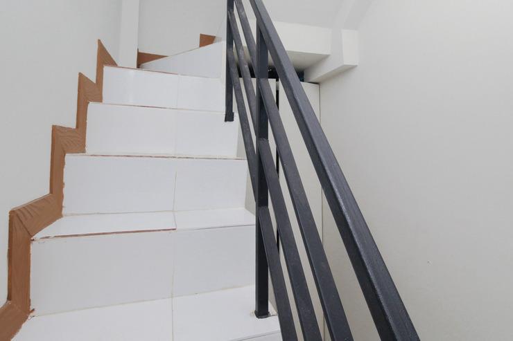 Airy Eco Cengkareng Cendrawasih Raya Empat 33 Jakarta Jakarta - Stairs