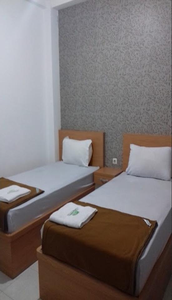 Chrissant Guest House Yogyakarta - room
