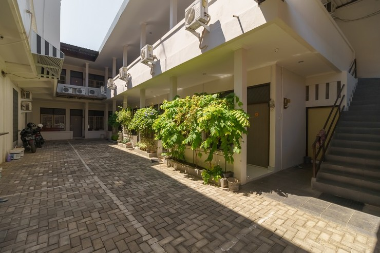 RedDoorz@ Cangkring street Cirebon Cirebon - Photo