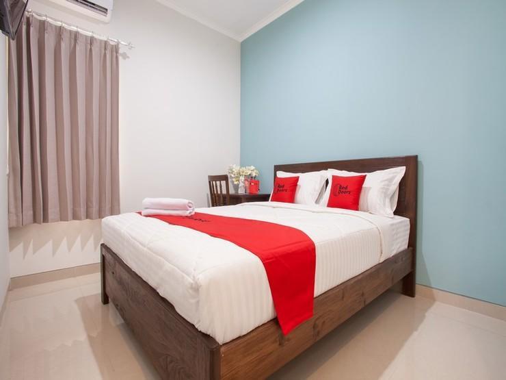 RedDoorz @ Wiyung 3 Surabaya - Kamar Tamu