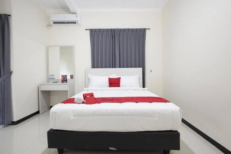 RedDoorz @ Genteng Surabaya Surabaya - Kamar Tidur